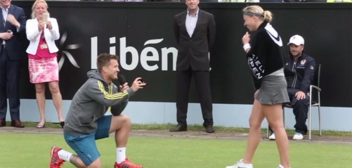 Demande en mariage sur un cours de tennis for Un cours de tennis