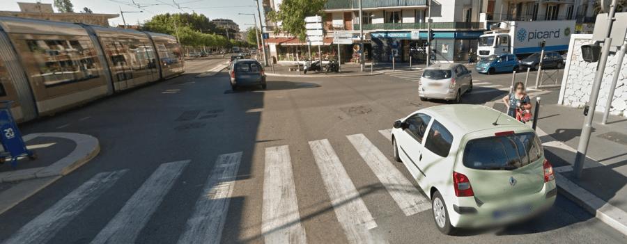 Carrefour entre l'avenue du Ray et le boulevard Gorbella, lieu de l'accident