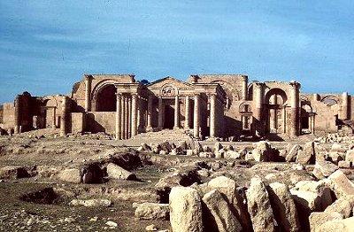 Monuments, livres, éducation, l'Etat islamique s'attaque à toute forme de culture