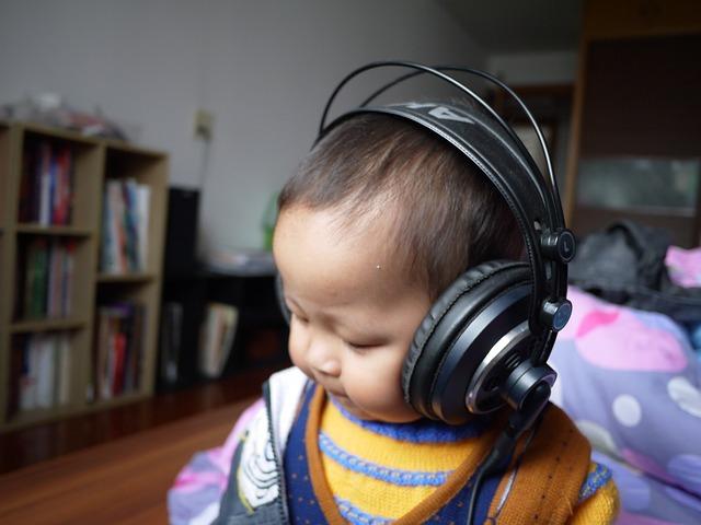 Enfants et écouteurs