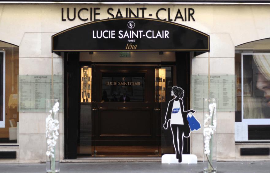 La salon Lucie Saint-Clair, dans le XVIème arrondissement de Paris.