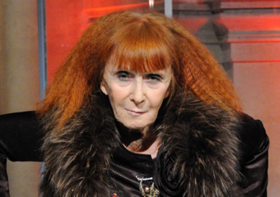 La couturière française Sonia Rykiel, qui a révolutionné le pull dans les années 60, est décédée jeudi 25 août à l'âge de 86 ans.