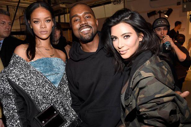 63155caa807a1 Kanye West sort samedi le fruit de sa collaboration avec Adidas   la Yeezy  Boost 750. Hier la marque dévoilait la liste des points de vente en France.
