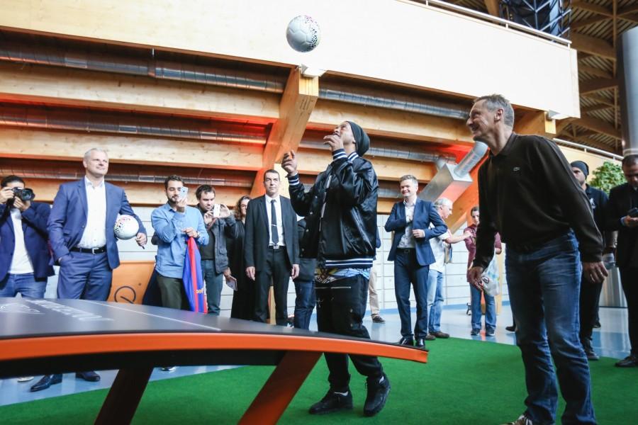 L'ancienne star du football Ronaldinho était au Luxembourg pour promouvoir le Teqball, une sorte de mélange de tennis de table et de football.