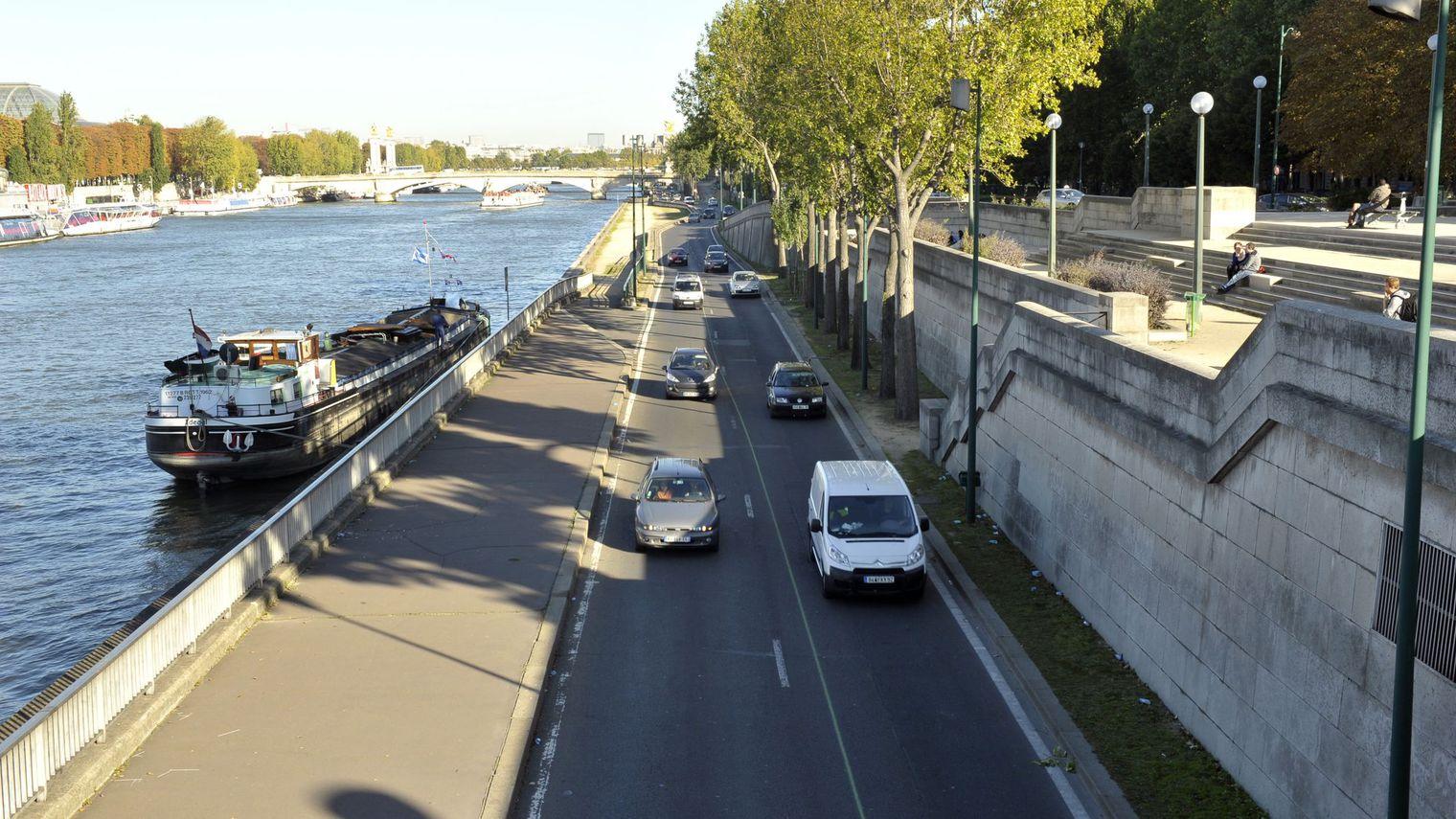 168 maires d'Ile de France ont écrit une lettre à la maire de Paris Anne Hidalgo. Ils demandent la réouverture de la voie sur berges rive droite.