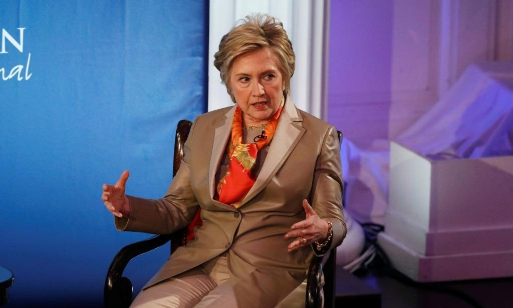 Hillary Clinton convaincue qu'elle serait présidente sans l'affaire des mails