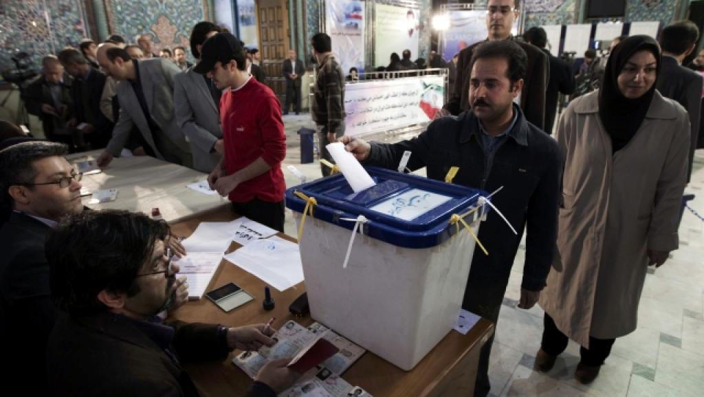 Ouverture des bureaux de vote en Iran pour l'élection présidentielle