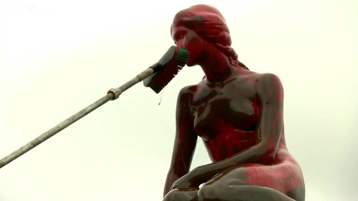 La Petite Sirène de Copenhague vandalisée par des défenseurs de la cause animale