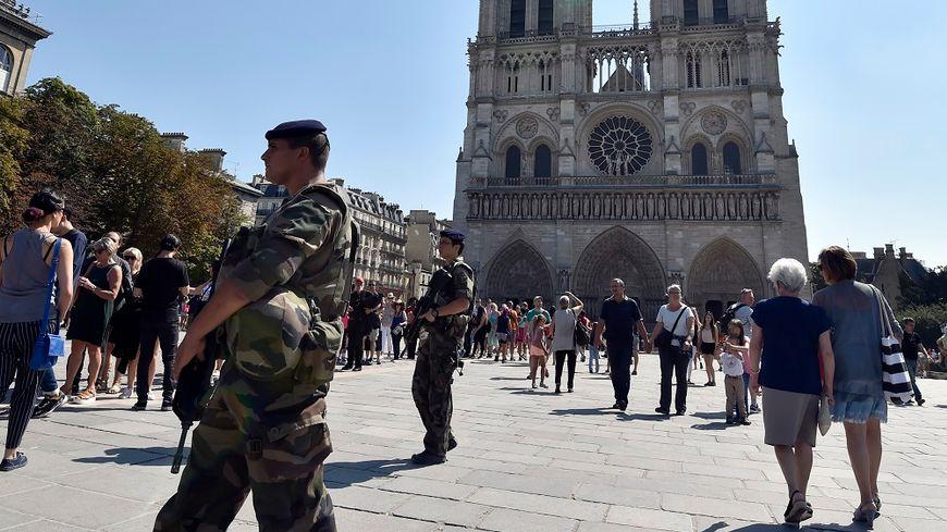 L'assaillant de Notre-Dame placé en garde à vue