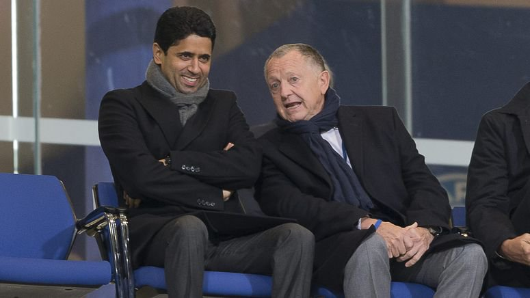 Tensions entre Jean-Michel Aulas et Nasser El-Khelaifi en marge de PSG-Lyon ©Twitter FootMercato