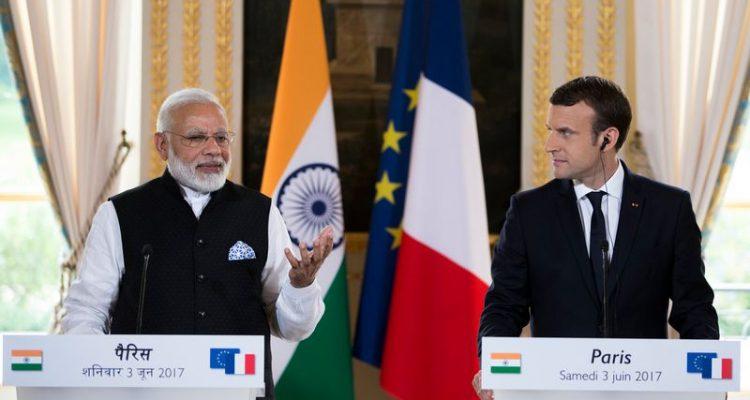 Emmanuel et Brigitte Macron en amoureux au Taj Mahal — Photos