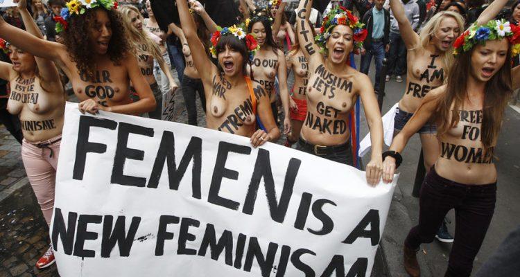 Lio : l'artiste seins nus sur scène pour soutenir le mouvement Femen