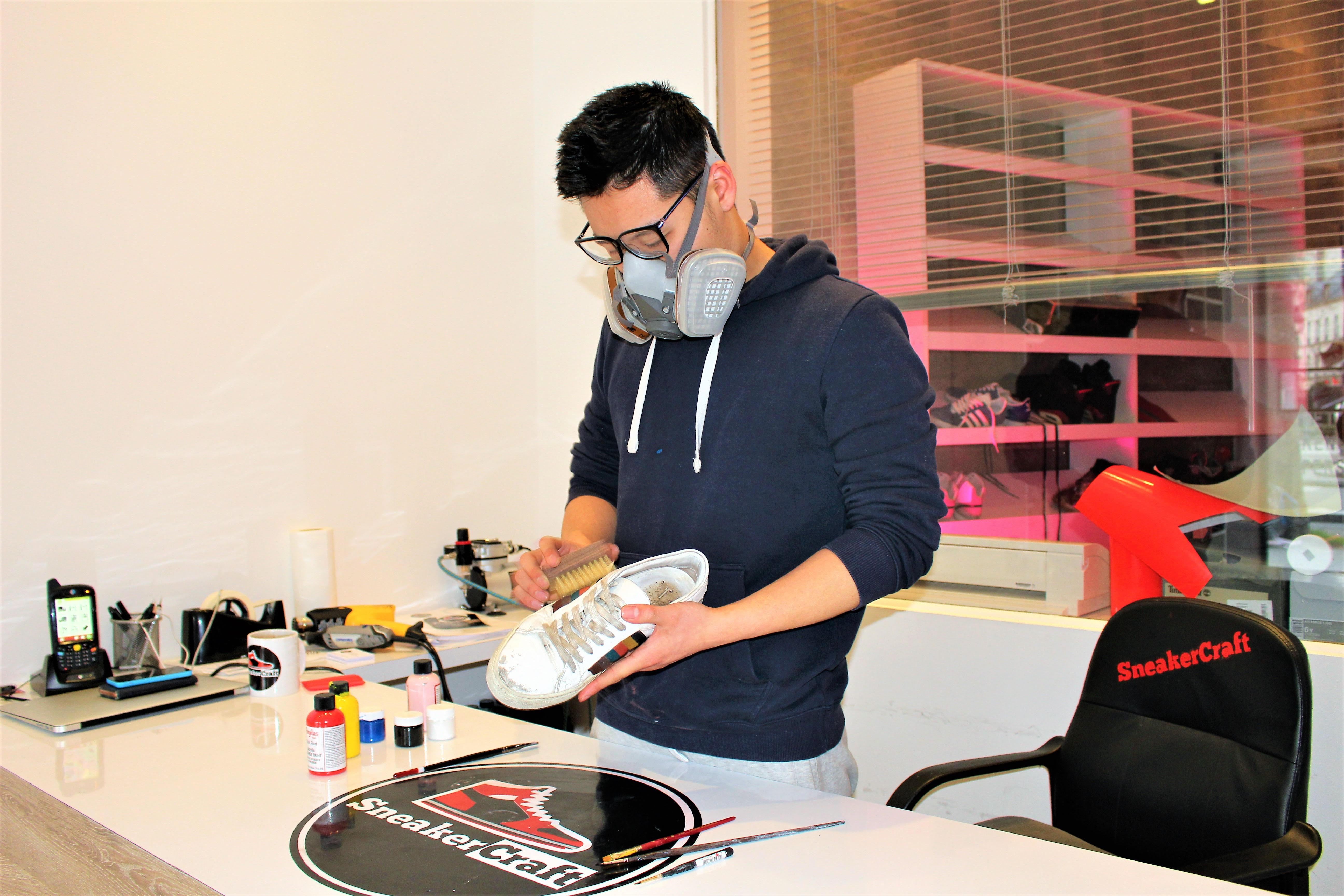 0a4b9789f0a SneakerCraft est un atelier de nettoyage
