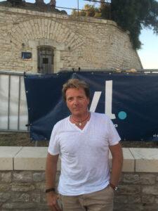 Xavier Cathala dirige le célèbre glacier rétais La Martinière