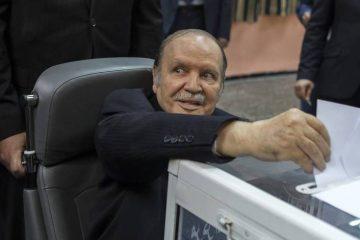 Abdelaziz Bouteflika lors d'un vote en 2014 | ZOHRA BENSEMRA / REUTERS
