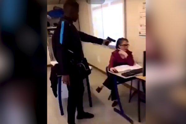 Le 18 octobre, un élève a braqué une arme factice sur sa professeure en pleine classe, à Créteil (Val-de-Marne). (dpierre94)