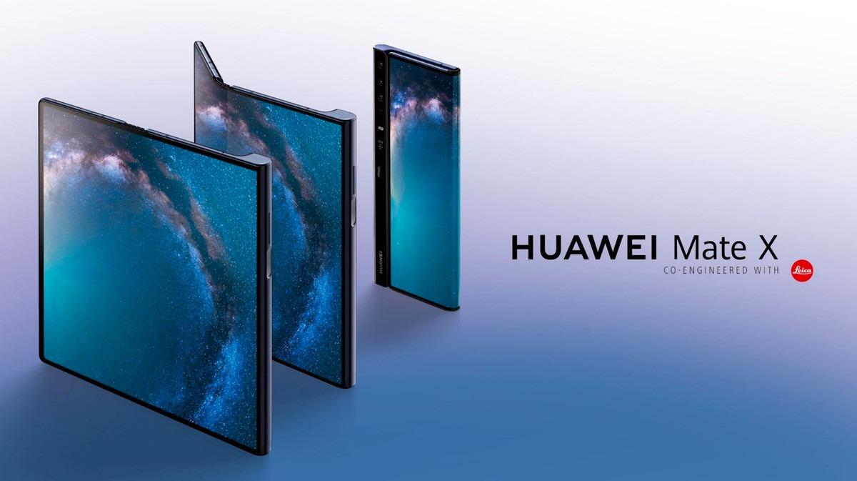 Photo du Huawei Mate X en position déplié, plié (des 2 cotés)