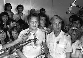Michel Blacos, face aux journalistes après son acte héroique.
