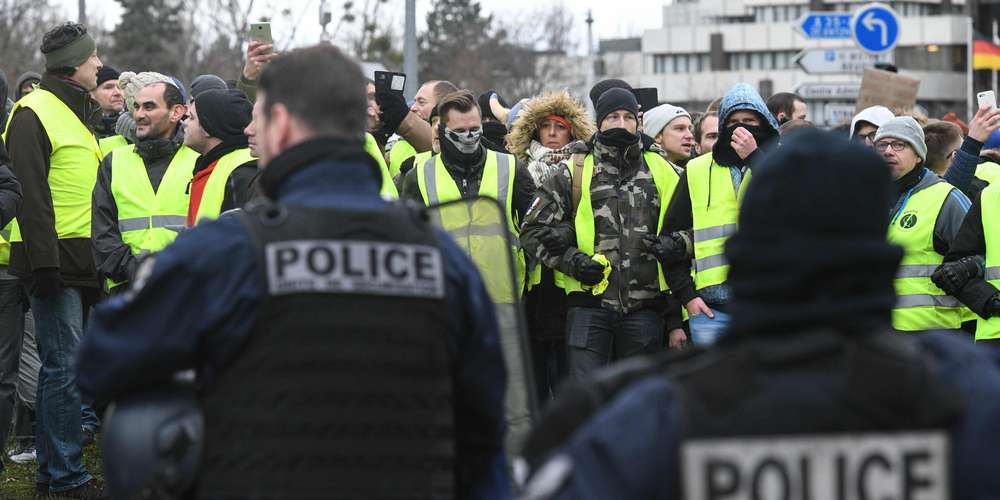 Photo d'un rassemblement de gilets jaunes
