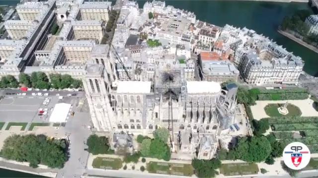 Vue aérienne de la bâche de Notre-Dame