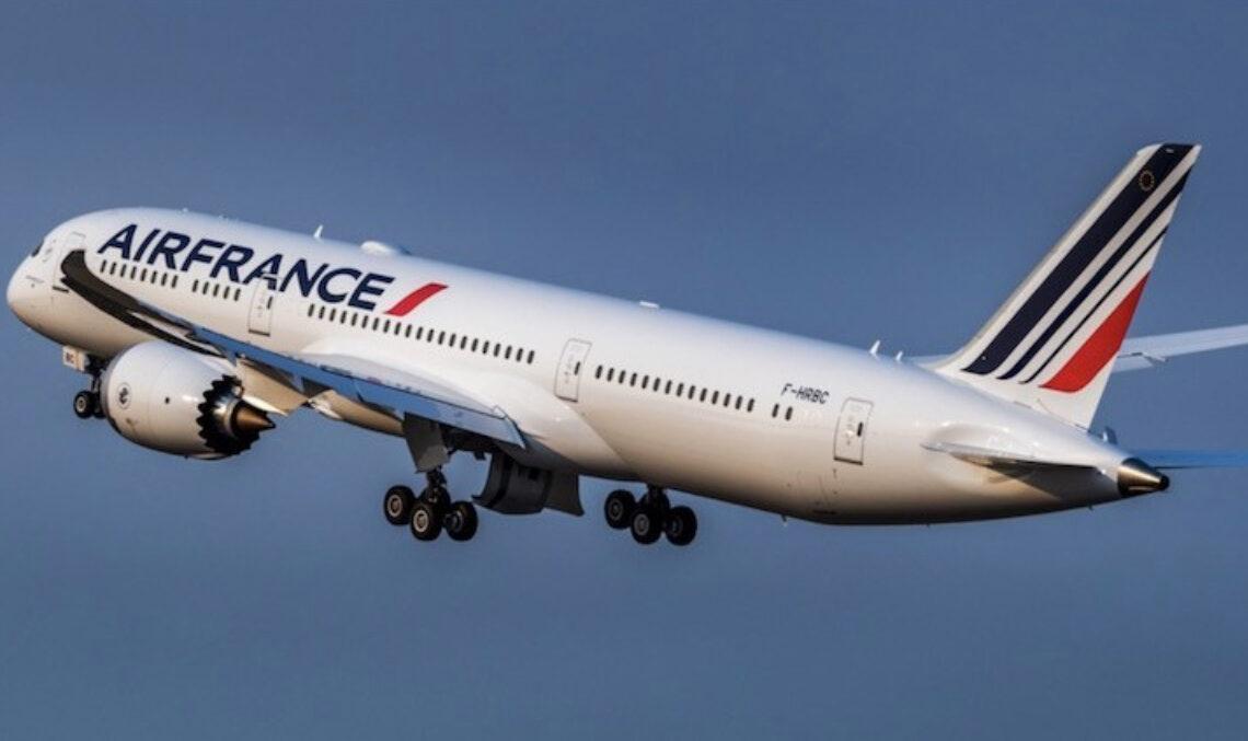 Avion en vol de la compagnie Air France