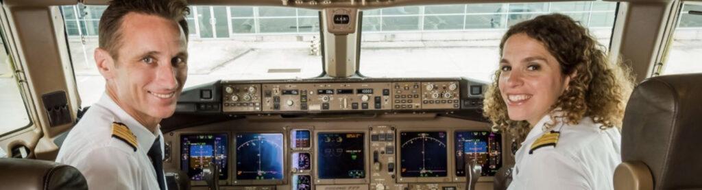 Un pilote et une pilote