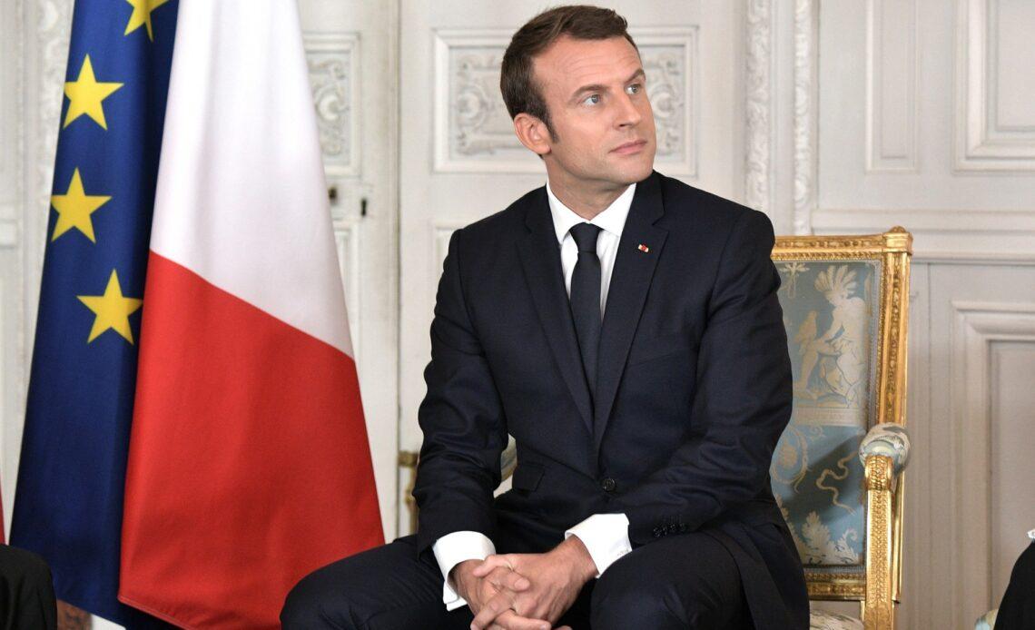 Macron renonce à sa future retraite de Président (6220 euros)