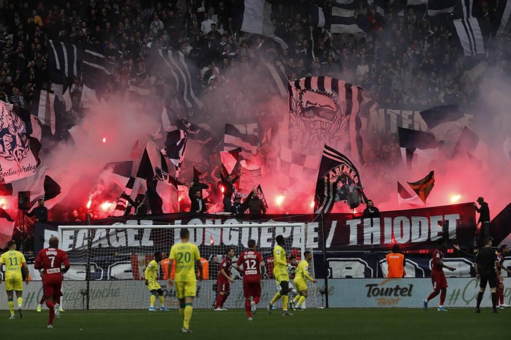 L'un des nombreuses banderoles des Ultras envers la direction des Girondins. ©FranceFootball