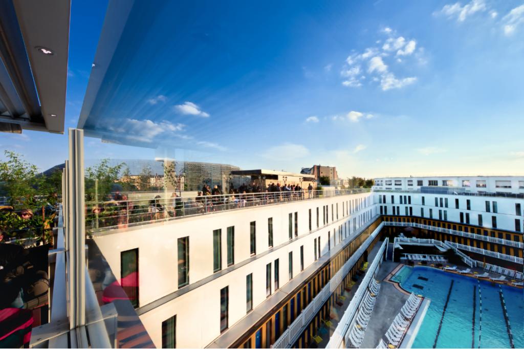 Le rooftop du Molitor au dernier étage de l'hôtel @marc plantec