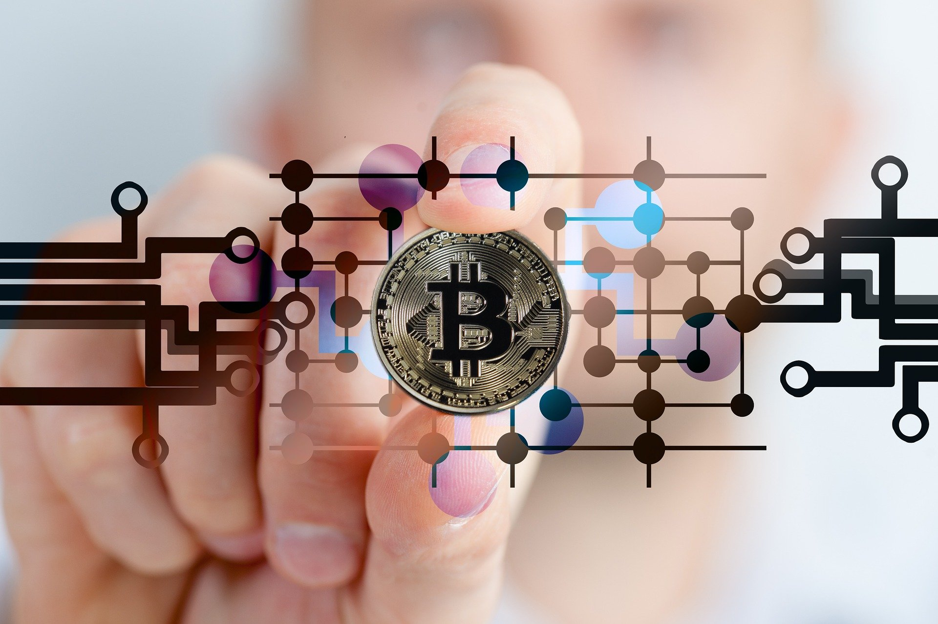 En décembre 2017, la crypto-monnaie la plus connue, Bitcoin, est passée de quelques centaines de dollars (le prix fluctuant un peu) à près de 18000. Ce boom a attiré l'attention de nombreux investisseurs et a...