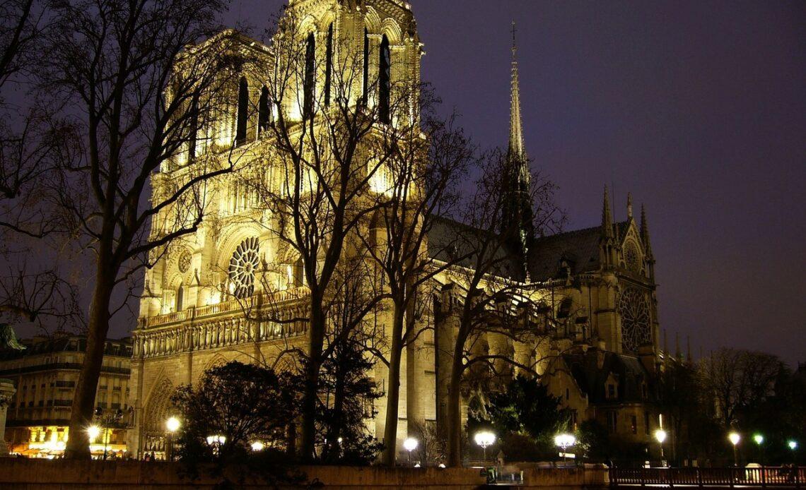 Jean-Michel Jarre jouera dans Notre Dame de Paris pour le nouvel an