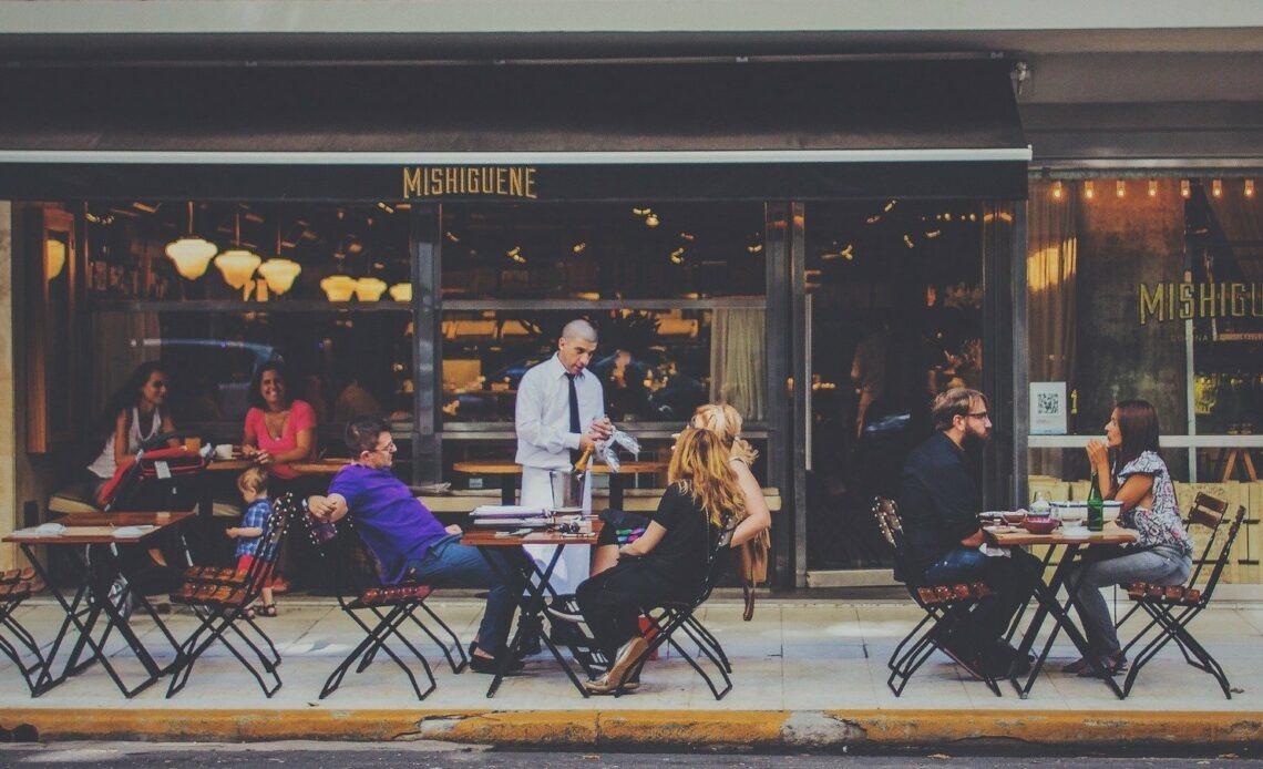 pourboires restaurants cafés